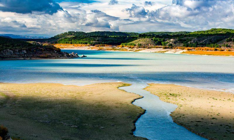 Pantano del Negratín desembocadura del río Guardal