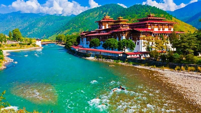 El Reino de BHUTAN, desde su gobierno promueve el GNH La Paz Interior Bruta que esá por encima del PIB